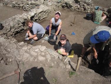 Students excavating, 2013